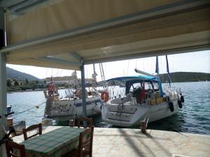 tavernakorfos yacht 01