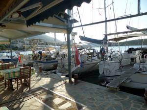 tavernakorfos yacht 17
