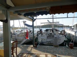 tavernakorfos yacht 18